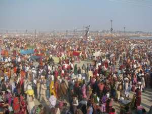 Possibly the biggest religious congregation of believers on the banks of river Ganga (Ganges)/©NitinKaushal/WWF-India
